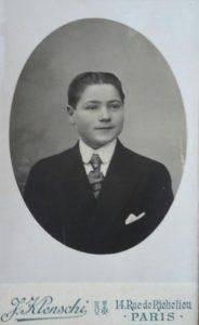 Sans doute l'une des premières, voire la première photo d'Ernest à son arrivée à Paris en 1920.