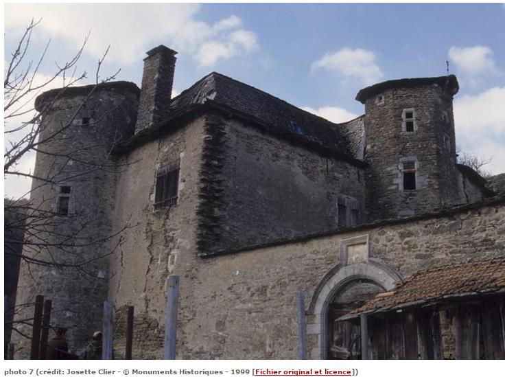 Château du Soulier, commune de Saint-Hilaire-de-Lavit. Crédits photo : Josette Clier. C'est aux alentours de ce château, dont parlait souvent mon arrière grand-mère, que Calixte a passé une partie de son enfance chez son oncle.